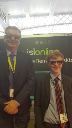Our London team welcomes everyone to the ISL Online's stand 724.